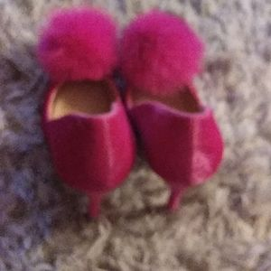Shoes - Ladies gently used pink pump